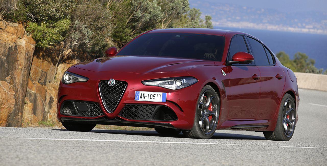 "Doppelsieg für Alfa Romeo Giulia beim ""Sport Auto Award"""