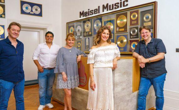 Stefanie Schanzleh startet Solokarriere bei Meisel Music
